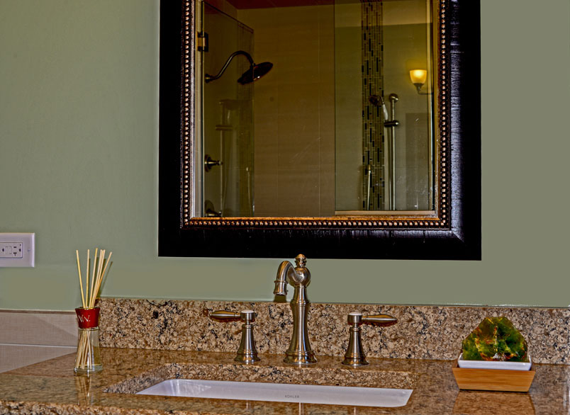 century-kitchens-and-bath-vanity-close-up